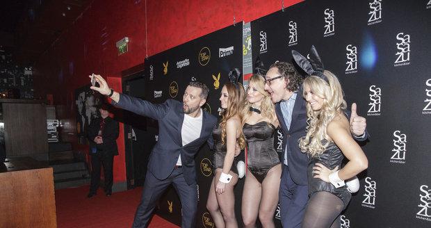 Michal Kavalčík a Marian Vojtko se sexy zajíčky z Playboye