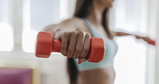 Cvičení s činkou je efektivnější