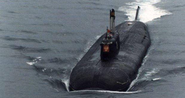 Věštbě o zaplaveném Kursku nikdo moc nevěnoval pozornost. Vnitrozemské město se od záplav zdálo daleko. Nikdo nečekal, že se věštba týká stejnojmenné ponorky.
