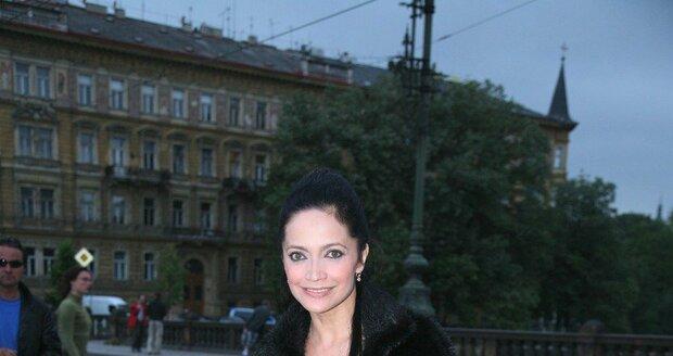 2007 - Lucie Bíla na mostě Legií v Praze.
