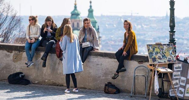 V Praze se mohou lidé těšit na jarní týden, ve druhé polovině ho pokazí déšť (ilustrační foto).