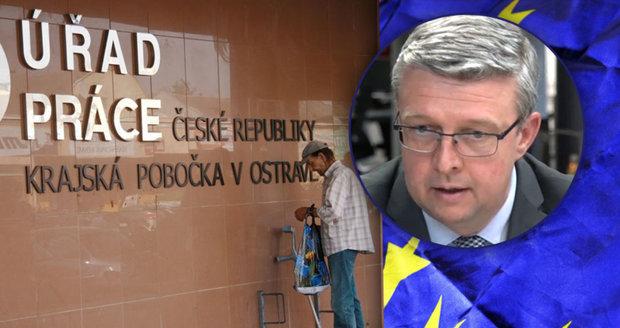"""""""Milion Čechů bez práce, mizerné mzdy."""" Podnikatel popsal fatální dopady czexitu"""