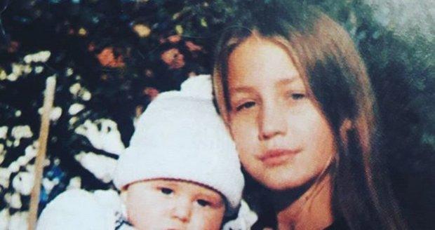 Malá Agáta Prachařová s bratrem Vincentem Navrátilem