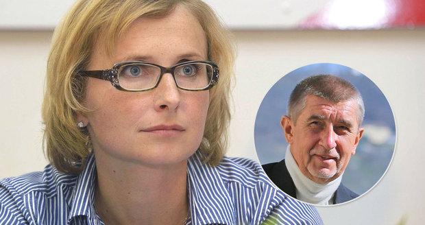 """Komunistka Konečná chce sesadit Filipa. Obviněného Babiše i SPD dokáže """"skousnout"""""""