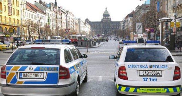 Policisté si v centru Prahy došlápli na hříšníky.