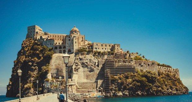 Aragonský hrad na ostrově Ischia