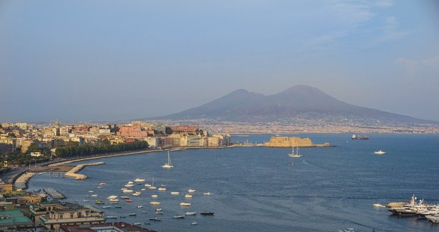 Vesuv nad Neapolí
