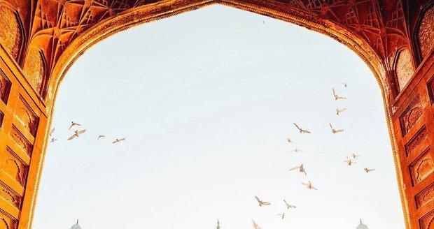 Tádž Mahal je velmi romantické místo.