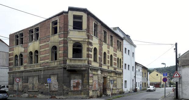 Nejsem obchodník s chudobou, tvrdí zastupitel ČSSD. Pronajímá byty ve vyloučených lokalitách