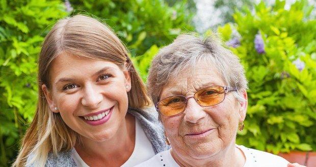 Musíte náhle pečovat o seniora či příbuzného po infarktu? Pomohou vám tato centra