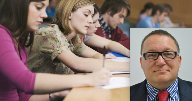 """Studenti VŠE odmítli přednášky Babišových ministrů. """"Nemyslící ovce,"""" rozzuřil se člen fakulty"""