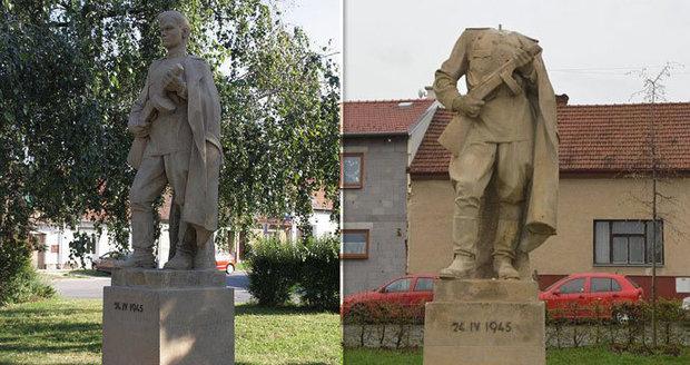 Socha rudoarmějce ve Šlapanicích stojí od roku 1948, teď jí někdo urazil hlavu.