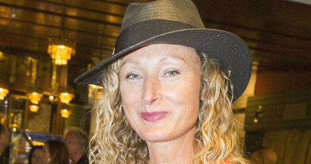 Alice Kovácsová na premiéře filmu Hastrman