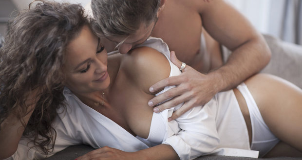 hostující sex sex v sexu