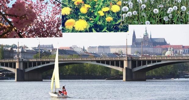 """Sobotní """"letní"""" den pozval Pražany do ulic. Hlavní město hraje všemi barvami"""