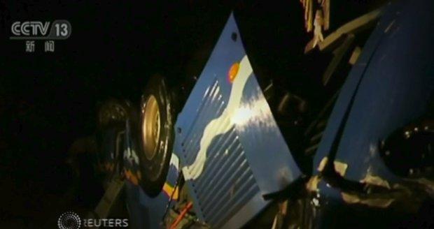Autobus s turisty se zřítil z mostu. Zemřelo 36 lidí