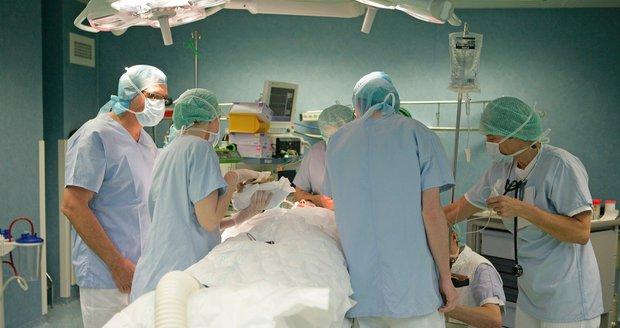 Holčičce transplantovali v Londýně jako první Češce brzlík. Zachránili jí tím život