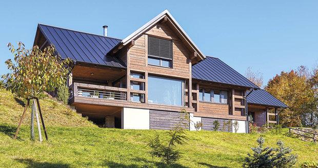 Dřevěný domov na míru horám a potřebám mladé rodiny s dvěma potomky
