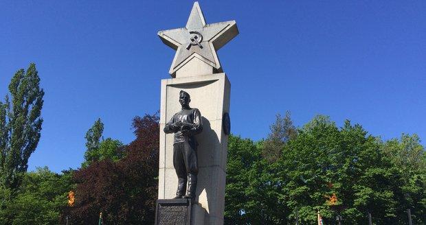 Pomník rudoarmějcům, kteří v roce 1945 osvobozovali Prahu.