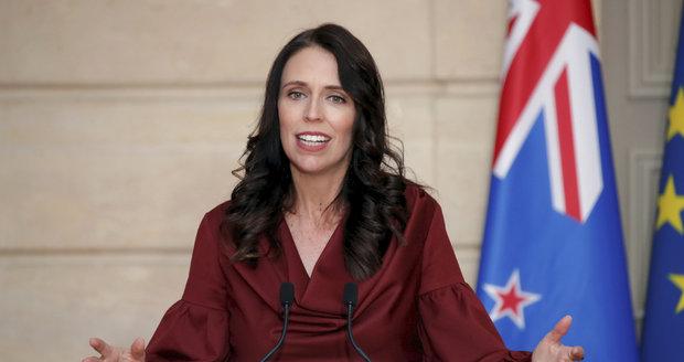 """""""Malá hloupá holka!"""" Poslancův výrok o premiérce přerušil jednání parlamentu"""