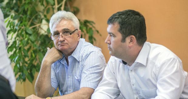 """Štěch lobbuje proti Hamáčkovi. Na jeho """"roadshow"""" odpovídá spolustraníkům dopisem"""