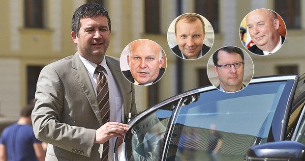 ČSSD z Pocheho necouvá. Ministry budou i Krčál, Toman, Staněk a Hamáček