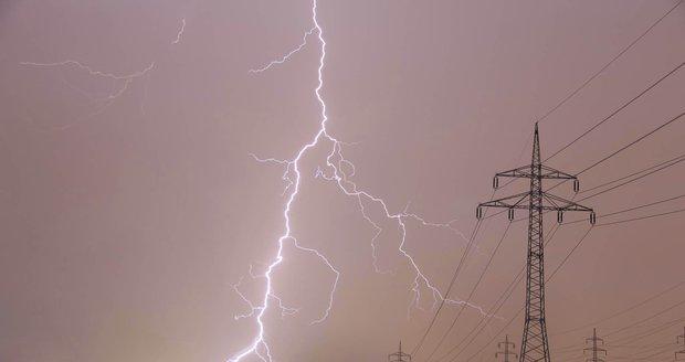 Jih Česka zasáhne silný déšť, Moravu i bouřky, varují meteorologové. Sledujte radar