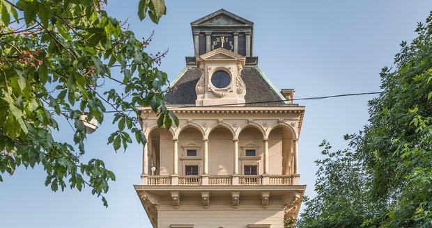 Letenská vodárenská věž se uchází o památkářskou cenu.