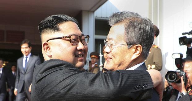 Kim a Mun opět spolu. Šéfové korejských států se překvapivě potkali znovu