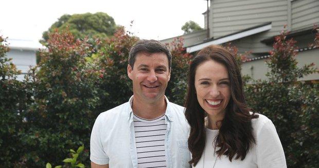 Moderátor a manžel premiérky míří na mateřskou. Rady dostal od Williama i Obamy