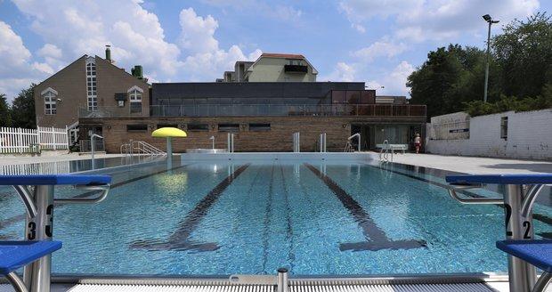 Bazén myslí na všechny návštěvníky, od nejmladších až po ty nejstarší.