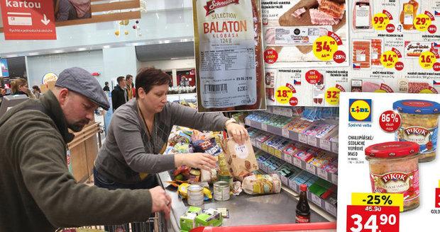 """Češi ve slevách nakoupili falšované jídlo. V akčních """"šmejdech"""" chyběla i pětina masa"""