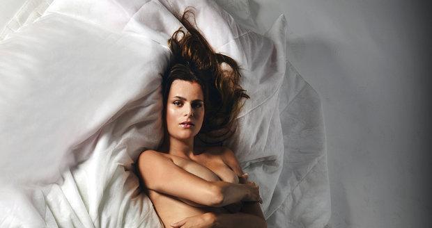 Nakonec Ornella souhlasila, že se nafotí nahá stejně jako její matka.