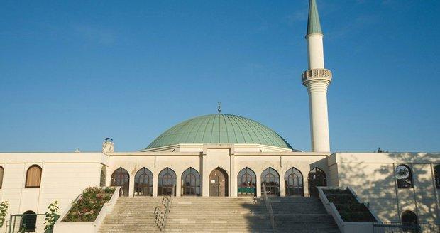 Rakousko začne zavírat mešity a vyhošťovat imámy. Turecko běsní