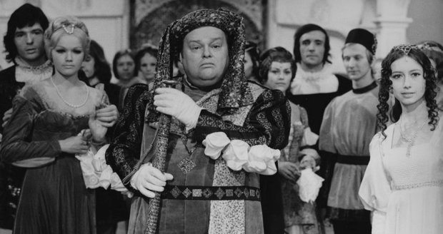 Tři oříšky pro Popelku - Jan Libíček v roli preceptora