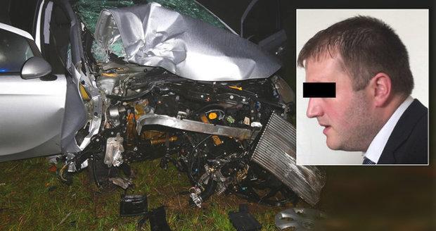 """Za smrt britské královny pokeru při bouračce v Plzni padl trest: Řidič dostal podmínku, přehlédl """"kruháč"""""""