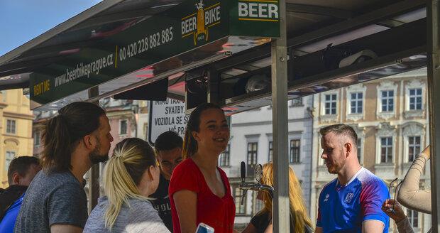 Pivní kolo v centru Prahy.