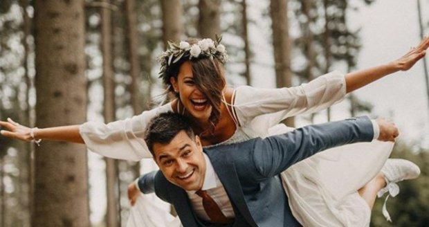 Monika Leová měla svatbu.