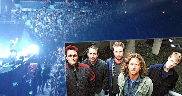 Devadesátková legenda Pearl Jam rozduněla Prahu  Rockeři zpívali pro ... 379fcd8e94b