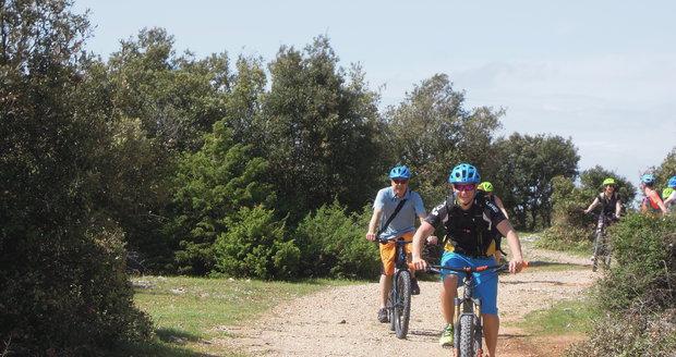 Brač uchvátí i cyklistům.