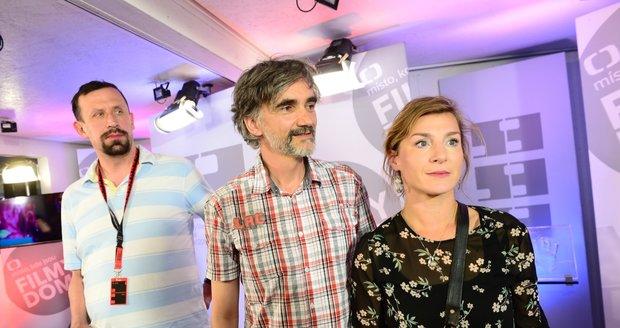 Lenka Krobotová s Martinem Myšičkou a Pavlem Šimčíkem.