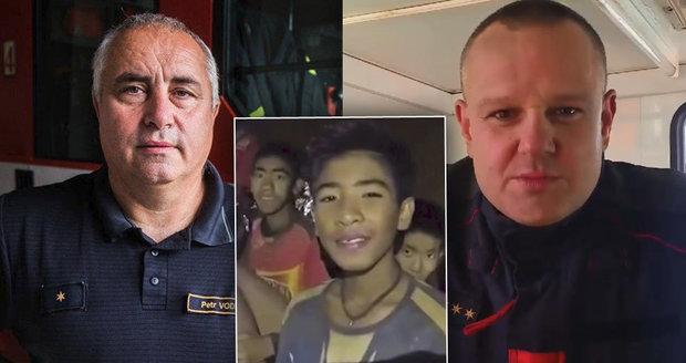 Čeští hasiči dorazili do jeskyně s uvězněnými dětmi: První plán záchrany selhal, jaký je nový?