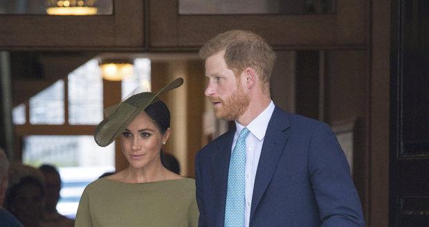 Princ Harry s vévodkyní Meghan na křtinách prince Louise.