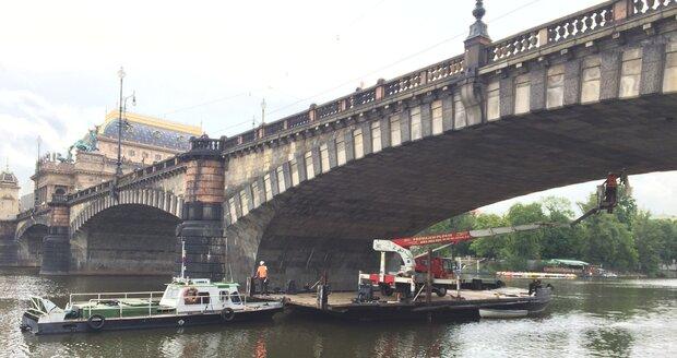 Most Legií má špatnou hydroizolaci. Z toho důvodu se také horší stav mostu. (ilustrační foto)