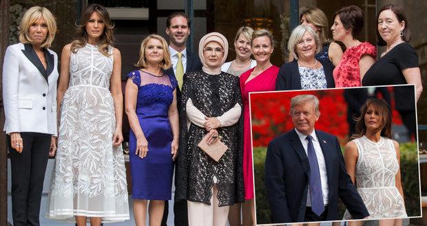 Melania mírnila Trumpovu kritiku na summitu NATO. Rozdávala úsměvy, objetí i polibky