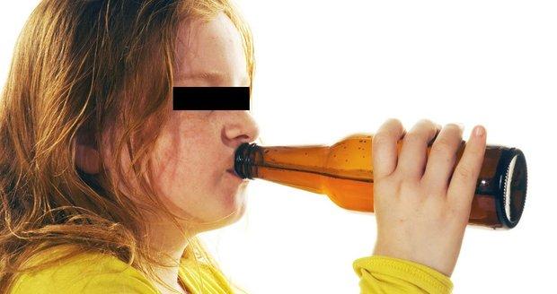 Opilá školačka se motala nočním Brnem: Podpírali ji kamarádi, nadýchala skoro dvě promile