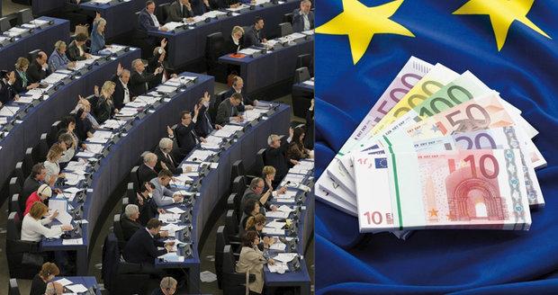 Milionové náhrady pro europoslance nikdo nehlídá. Soud EU: Lidem do toho nic není