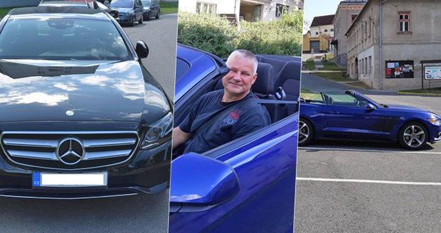 Kajínek v novém autě: Z mercedesu přesedl do mustanga za 1,5 milionu