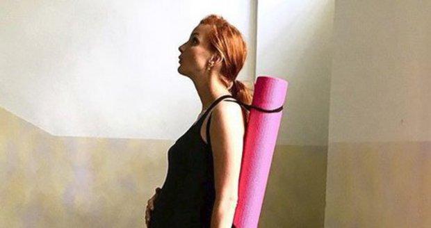Michaela Maurerová začala cvičit jógu