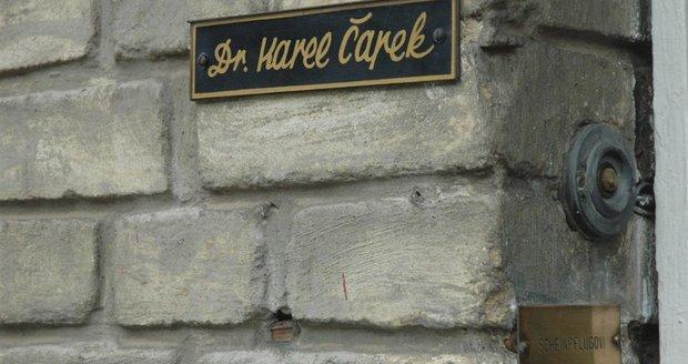 Radnice Prahy 10 hodlá navrátit vile Karla Čapka její bývalou podobu. Obrací se proto s žádostí na obyvatele, zda jí v této snaze nepomohou.
